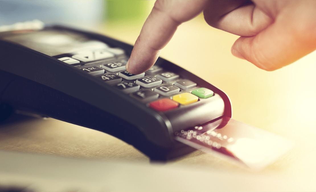 Pagamento com cartão deve atingir 50% do consumo em 2021.